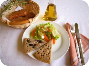 DSCN6797 buchweizenbratlinge mit Salat rund wärmer